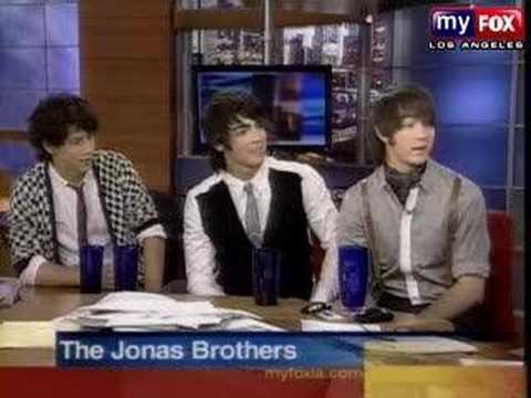 Jonas Brothers on good Day LA