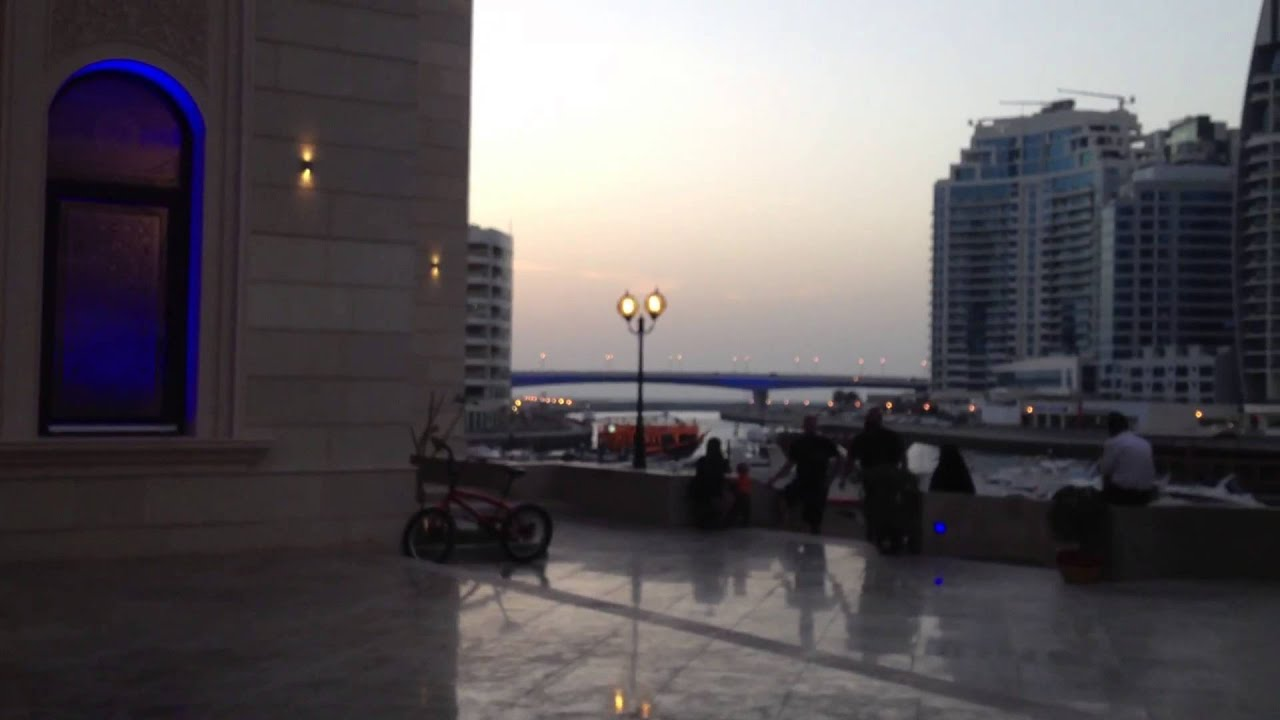what time is maghrib prayer in dubai