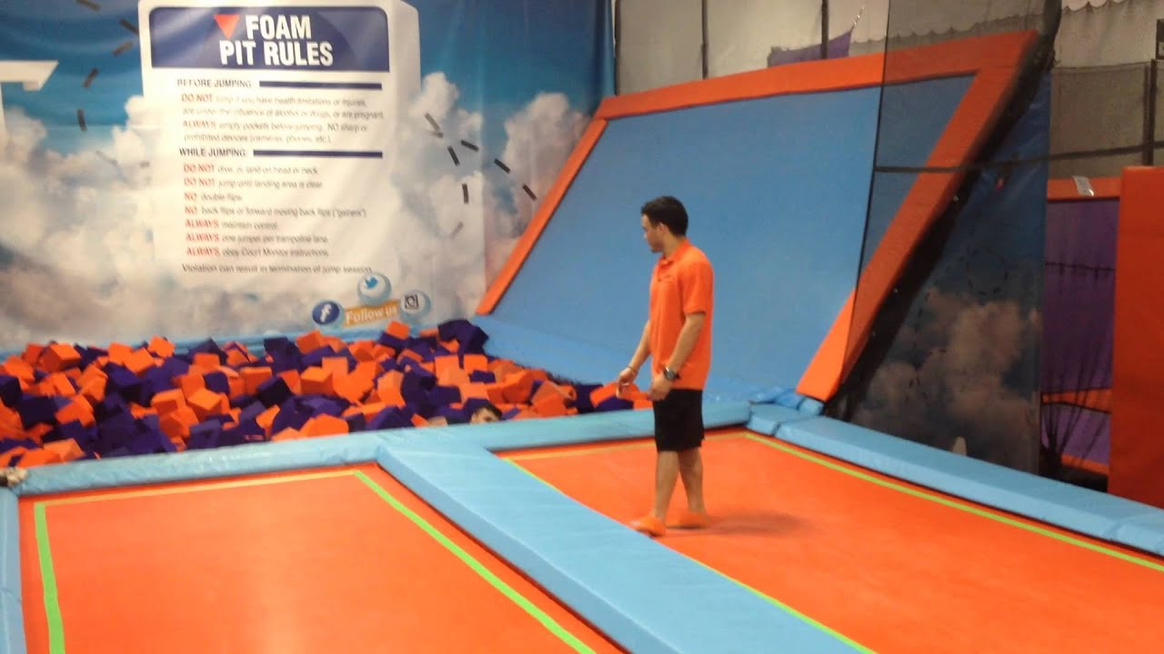 air trampoline trampoline park in ronkonkoma ny youtube. Black Bedroom Furniture Sets. Home Design Ideas
