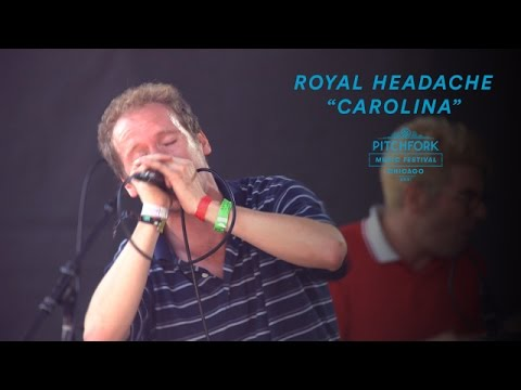 "Royal Headache perform ""Carolina"" 