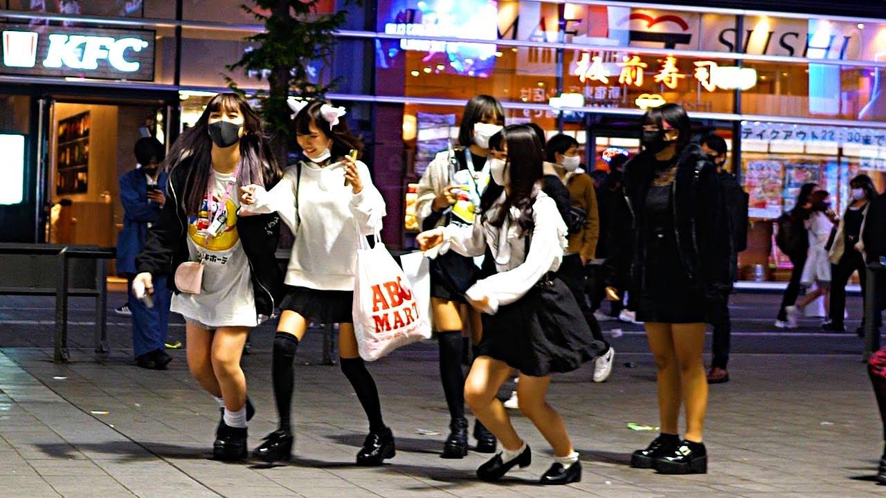Download 【Shinjuku Walk in Tokyo】The City at 8:00 PM【4K ASMR】