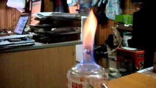 Как горит этиловый спирт который можно разводить и пить(Способы определения технического спирта 1. Происхождение. Покупайте алкоголь в магазинах, вызывающих довер..., 2015-06-19T10:14:12.000Z)
