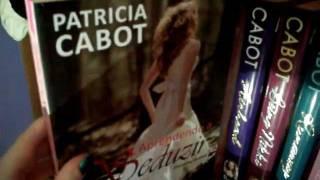 Livros & Bolinhos - Bookshelf Tour (Especial Meg Cabot)