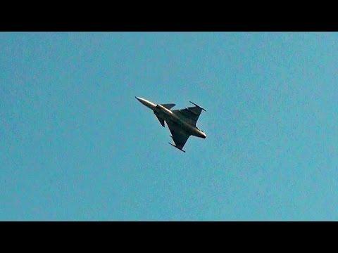 JAS 39 Saab Gripen Making Good Sounds.