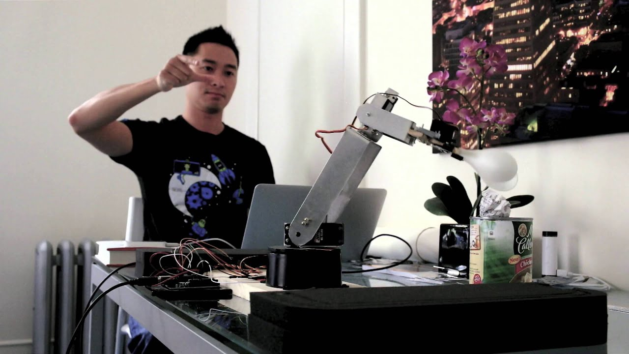 How to Build a Robotic Arm that Tracks Your Hand Movements (Part 2
