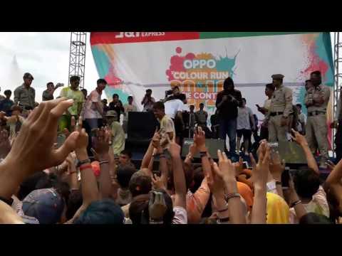 Perform DJ Vicky Nitinegoro Pantai Losari Makassar. COLOUR RUN 2016 By Oppo