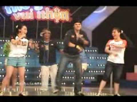 Funny Dance by Duy Uyen, Thuy Nga, Hoang Oanh, Minh Anh