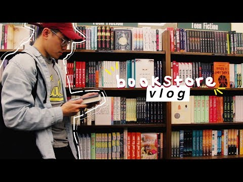 MY FIRST BOOKSTORE VLOG