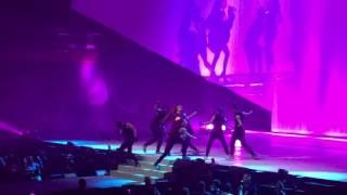 Ariana Grande - Bad Decisions (Dangerous Woman Tour)