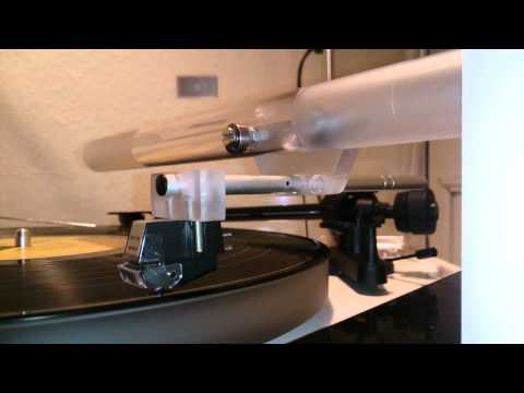 DIY Cantus typ linear tracking tonearm test.