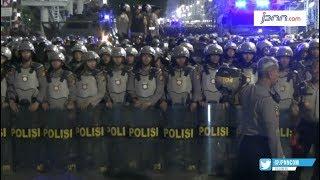 Pastikan Aman, Polisi Tunggu Hingga Massa Bubar - JPNN.COM