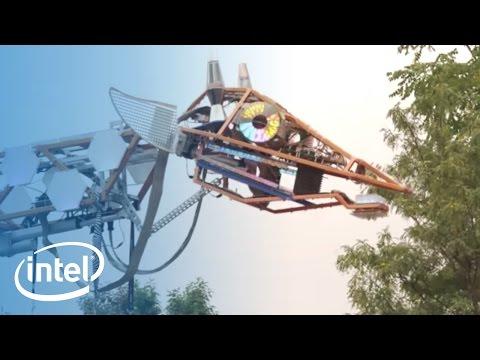 Intel® Edison Technology & Electric Giraffe at Maker Faire NYC | Intel