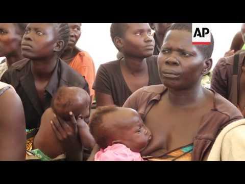 US senator Corker visits Uganda refugee camp