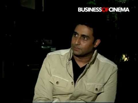 Abhishek Bachchan shares National Award for Paa with cast & crew Mp3