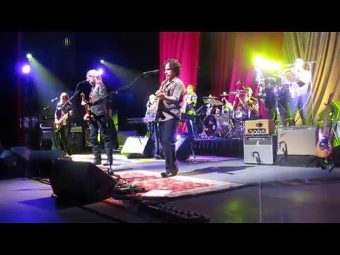 Jingle Bell Rock Hall & Oates  Durham 12 8 2015
