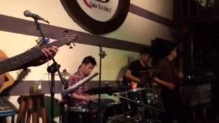 Bài Ca Trên Đồi - Nguyên Hoàng singer - G4U CAFE (11-5-14)