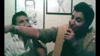 Oscar y Javier cantando el aventurero