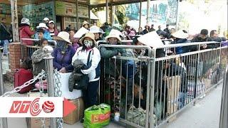 Lao động chui qua du lịch: Xấu hình ảnh Việt | VTC