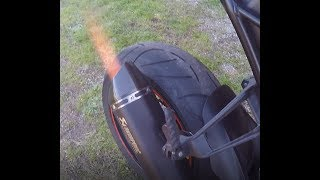 KTM 1290 SUPER DUKE R STOCK EXHAUST VS AKRAPOVIC SLIP -ON(WHIT DB) SOUND