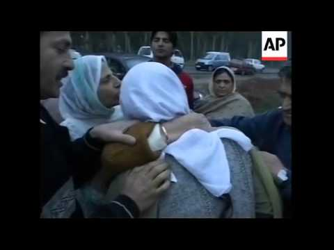 Pakistan Kashmiris return home after quake