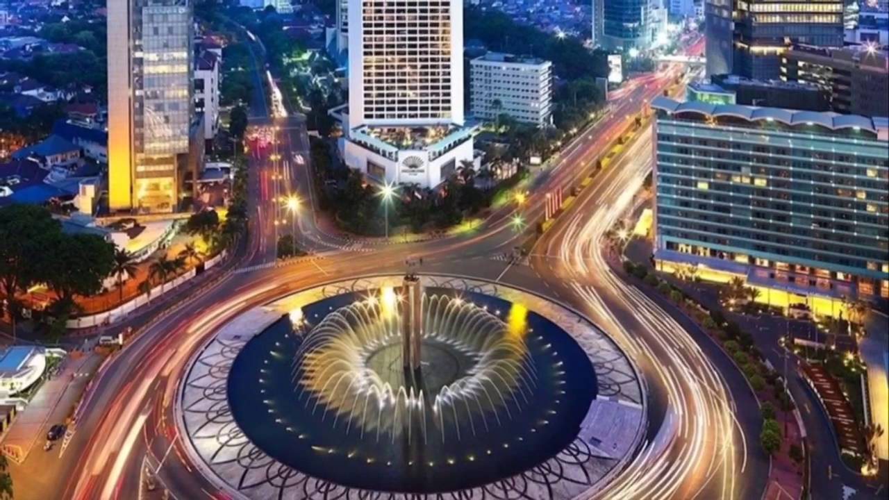 "What Makes Luxurious Shopping Malls in Jakarta ""Luxurious""?"