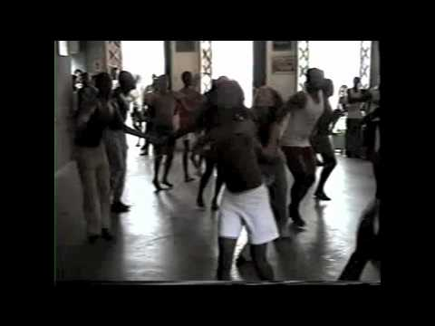 Bahia Brazil: Olodum Afro Brazilian dance class part 1