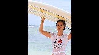サーフィンデビューするなら、こっそりハワイで!先生は超美人!