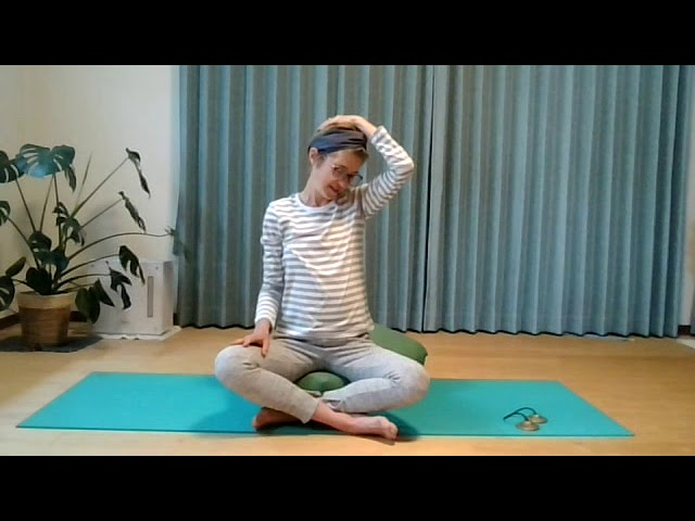 English yoga lesson: Nadi Shodanha (alternate nostril breathing)
