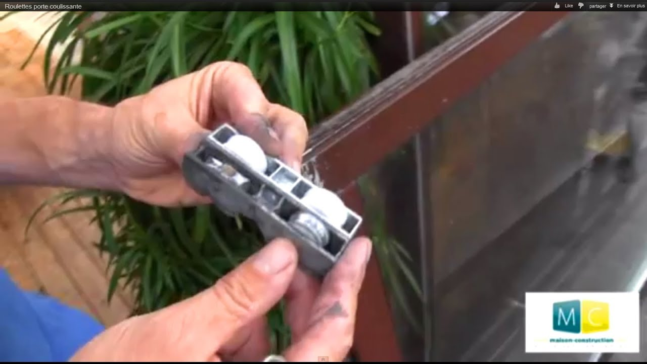 roulettes porte coulissante sliding door roller repair video