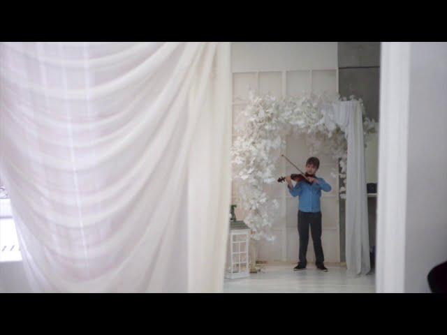 Изображение предпросмотра прочтения – ГлебНикифоров читает произведение «Песни, песни , о чем вы кричите?...» С.А.Есенина
