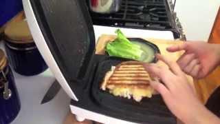 Горячий сэндвич из куриного салата