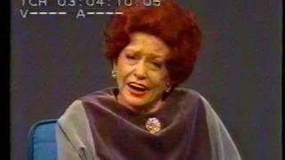 "Zarah Leander sings ""Sang om Syrsor"" at her last TV show"