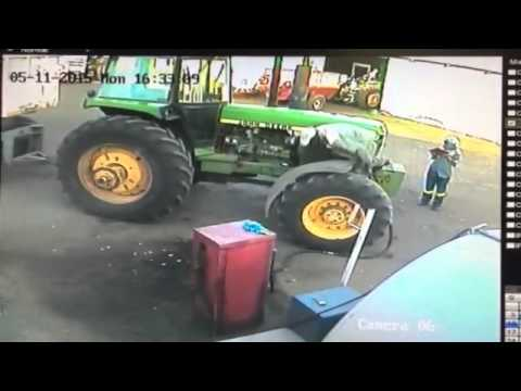 Drunk farm worker in South Africa from YouTube · Duration:  50 seconds