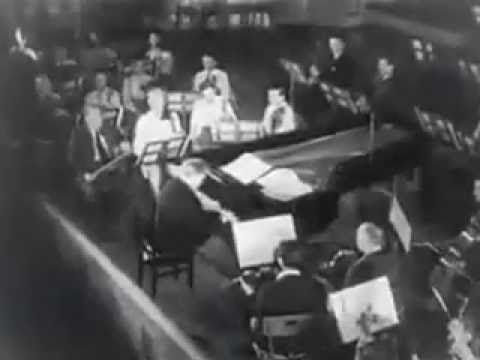 Edwin Fischer plays and conducts Mozart (video)