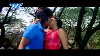 Saiya ke saath madiya me bhojpuri song
