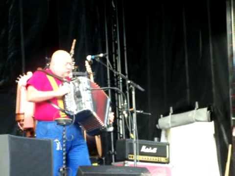 PIGALLE / l'amour forain / le 22 mai 2011 dans le parc de Rentilly