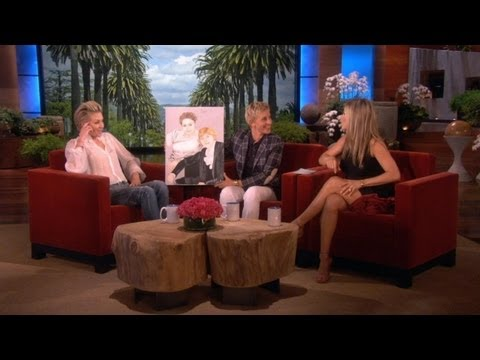 Jennifer Aniston Gives a Gift to Ellen and Portia