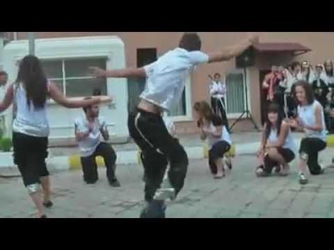 Crazy Turkish Dance - Kolbasti.flv
