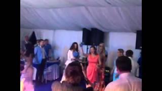 Свадьба Шипулина  и Сябитовой - кидает букет - 20 июня 2015