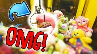 WHY IS THE CLAW MACHINE DOING THIS...? || Arcade Games