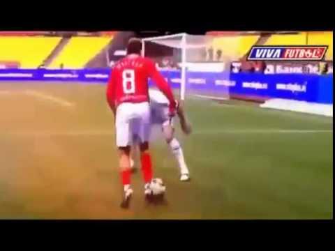 Лучшие футбольные финты - YouTube ee0023e9b64d5