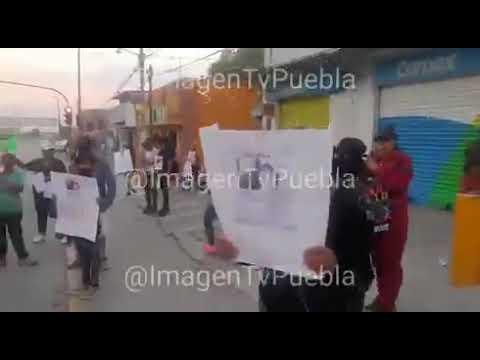 Protesta por gemelas desaparecidas en Puebla