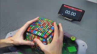 Solving The Biggest Rubix Cube In The World