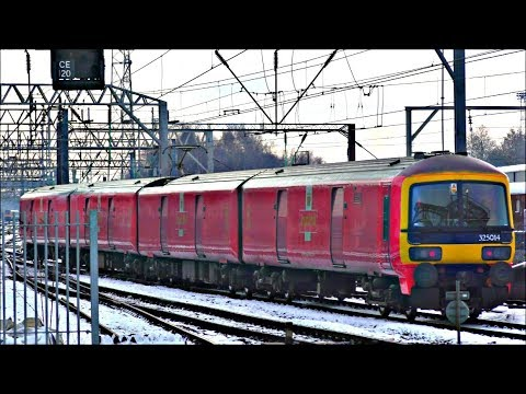 Snowy Winters Day at Crewe Station, WCML | 12/12/17