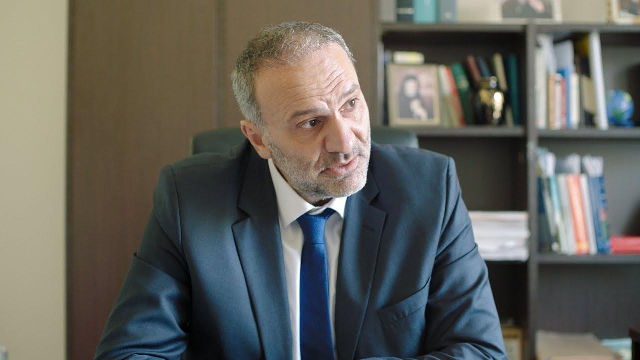 """Νίκος Μαυραγάνης: """"το εμβόλιο θα περιέχει ΒΙΟΤΣΙΠ ΕΛΕΓΧΟΥ!"""" - YouTube"""