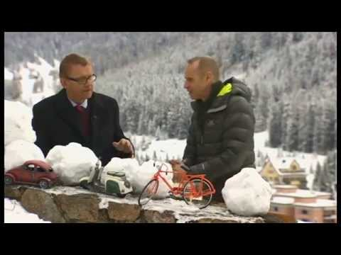 Hans Rosling on global income disparity (and snowballs) - Newsnight