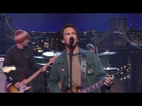 Pearl Jam - I Am Mine (Late Night With David Letterman, 11/14/2002)