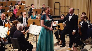 Jennifer Jones, Soprano  -  Dich Teure Halle