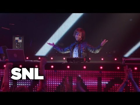 SNL Digital Short: When Will the Bass Drop? - SNL - YouTube