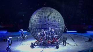 Video Globo de la muerte 8 motos Ringling Bros. Torres Family download MP3, 3GP, MP4, WEBM, AVI, FLV Juli 2018
